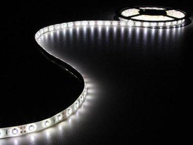 KIT MET FLEXIBELE LED-STRIP EN VOEDING - KOUDWIT - 300 LEDS - 5 m - 12Vdc - ZONDER COATING (LEDS16W)
