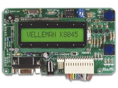 PROGRAMMEERBAAR MESSAGE BOARD MET LCD, SERIËLE INTERFACE & 8 INGANGEN (K8045)