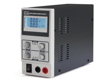 SCHAKELENDE DC-LABO VOEDING 0-60 VDC / 0-5 A MAX MET LCD-SCHERM (LABPS6005SM)