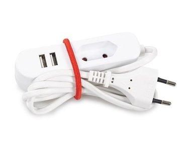 STEKKERDOOS MET 1 EUROSTEKKER EN 2 USB-POORTEN - IDEAAL VOOR OP REIS (WTA26WUSB)