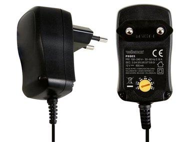 COMPACTE SCHAKELENDE VOEDING MET 7 SELECTEERBARE UITGANGEN: 3 TOT 12VDC 600 mA - 7.2W (PSSE5)