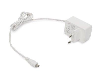 COMPACTE-LADER-MET-USB-AANSLUITING---5-VDC---2.5-A-max.---12.5-W-max.-(PSS6EUSB39W)